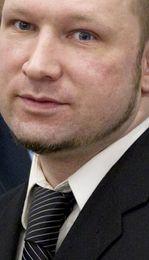 Saksóknara mislíkaði að Anders Behring Breivik skyldi brosa þegar hann lýsti því hvernig hann þjálfaði ...
