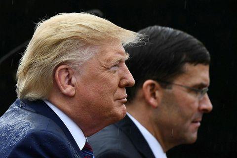 Donald Trump Bandaríkjaforseti og Mark Esper, varnarmálaráðherra Bandaríkjanna.
