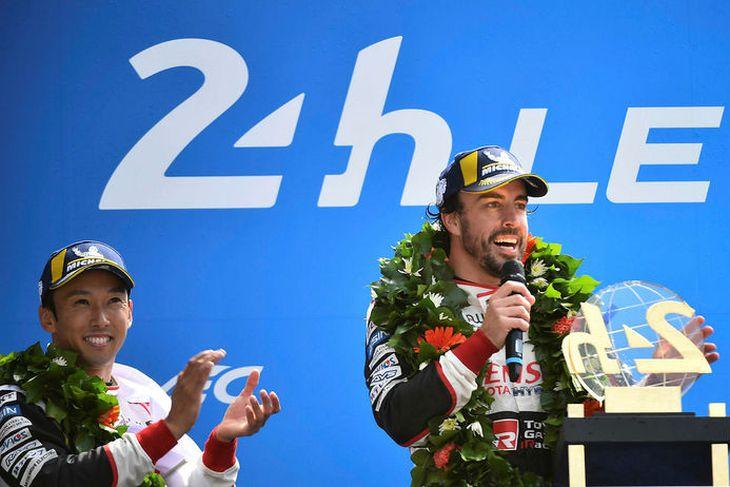 Þátttaka Fernando Alonso í Le Mans vakti mikla athygli og bæði áhorfendum og blaðamönnum fjölgaði ...