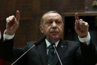 Recep Tayyip Erdogan Tyrklandsforseti hefur ítrekað framlengt gildistíma neyðarlaganna.
