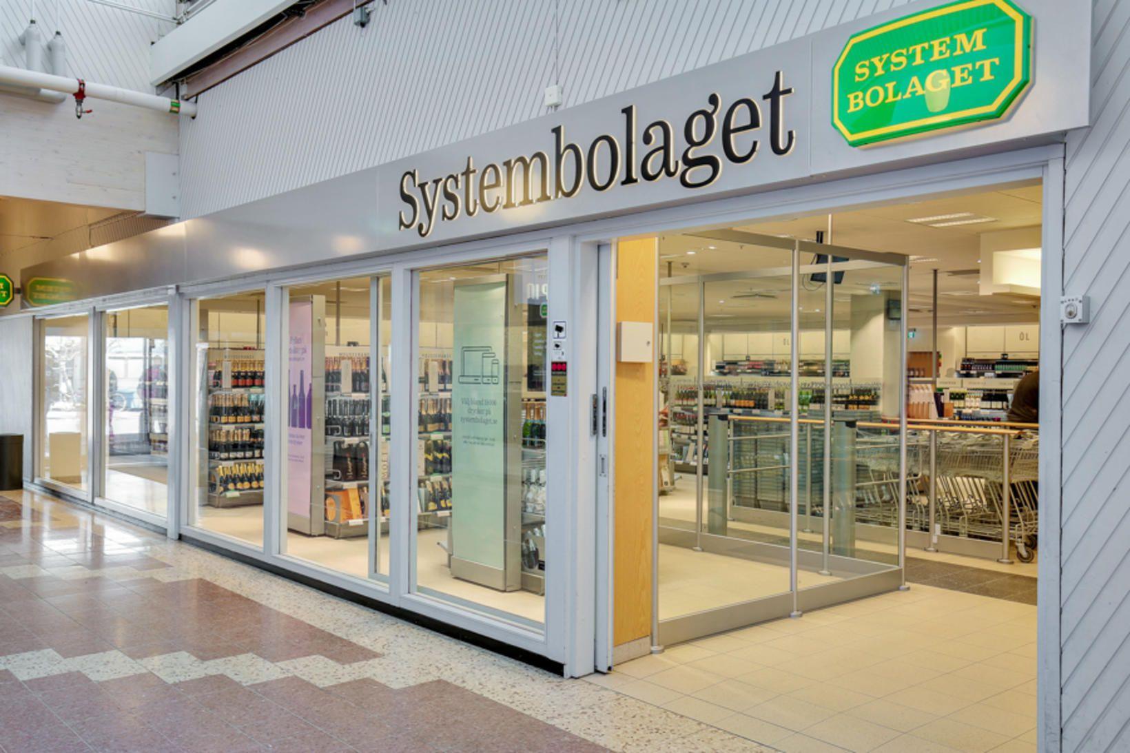 Sænska áfengisverslunin, Systembolaget, er lokuð á sunnudögum rétt eins og …