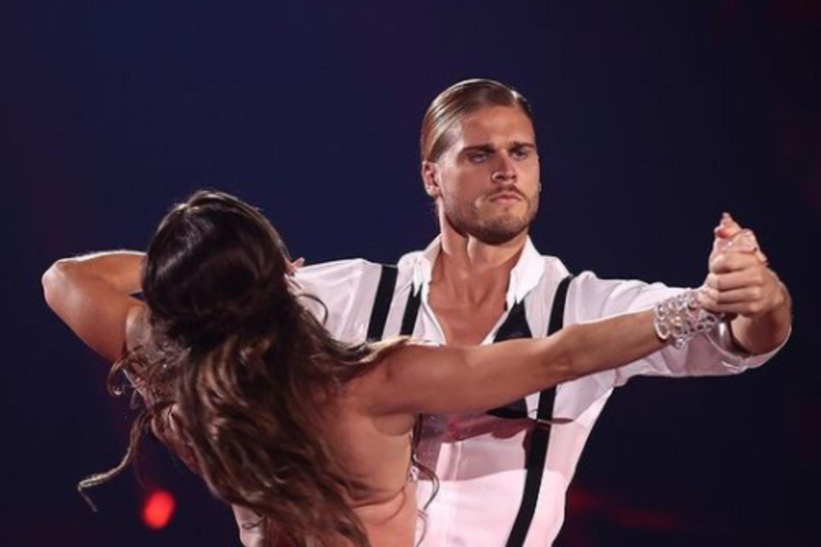 Rúrik Gíslason dansar í þáttunum Let's Dance í Þýskalandi.