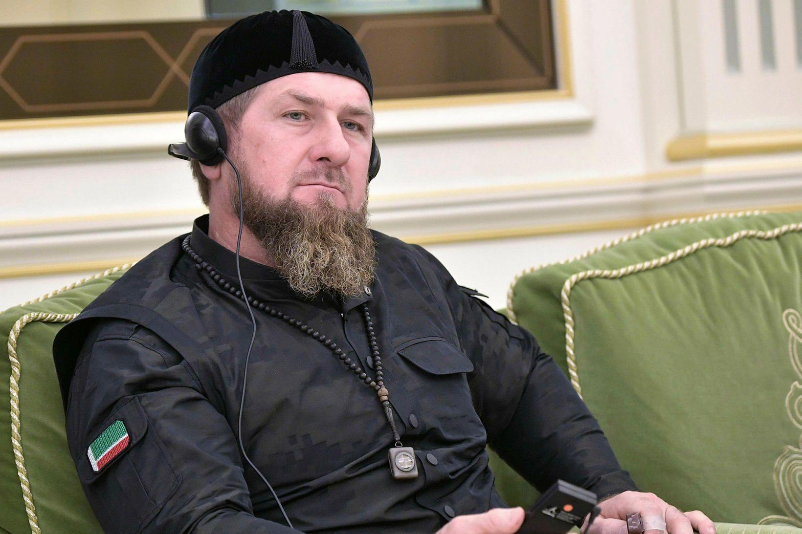 Ramzan Kadyrov segir enga samkynhneigða menn í Téténíu.