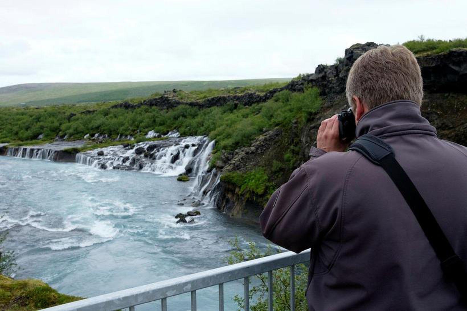 Hraunfossar í Borgarfirði.