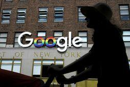 Google safnar gríðarlega miklum upplýsingum um notendur er þeir ferðast um vefinn og á meðal ...