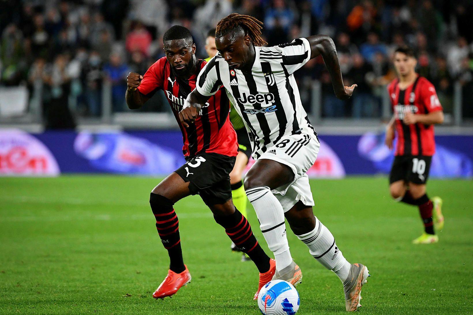 Fikayo Tomori hjá AC Milan og Moise Kean, leikmaður Juventus, …