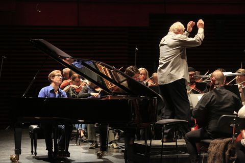 Yan Pascal Tortelier and Nikolai Lugansky at rehearsals at Harpa yesterday.