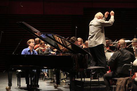 Yan Pascal Tortelier and Nikolai Lugansky at rehearsals at Harpa yesterday.