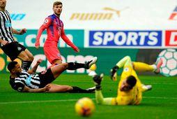 Karl Darlow í leik með Newcastle United gegn Chelsea á síðustu leiktíð.