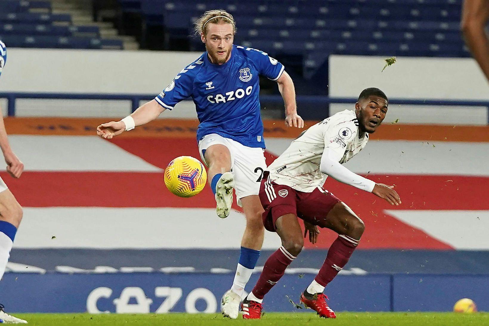 Tom Davies hefur verið samherji Gylfa hjá Everton undanfarin ár.