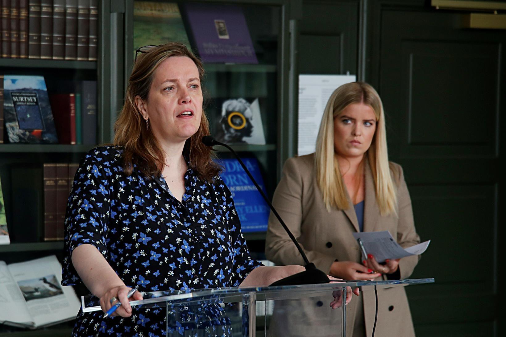 Svandís Svavarsdóttir heilbrigðisráðherra og Áslaug Arna Sigurbjörnsdóttir dómsmálaráðherra.