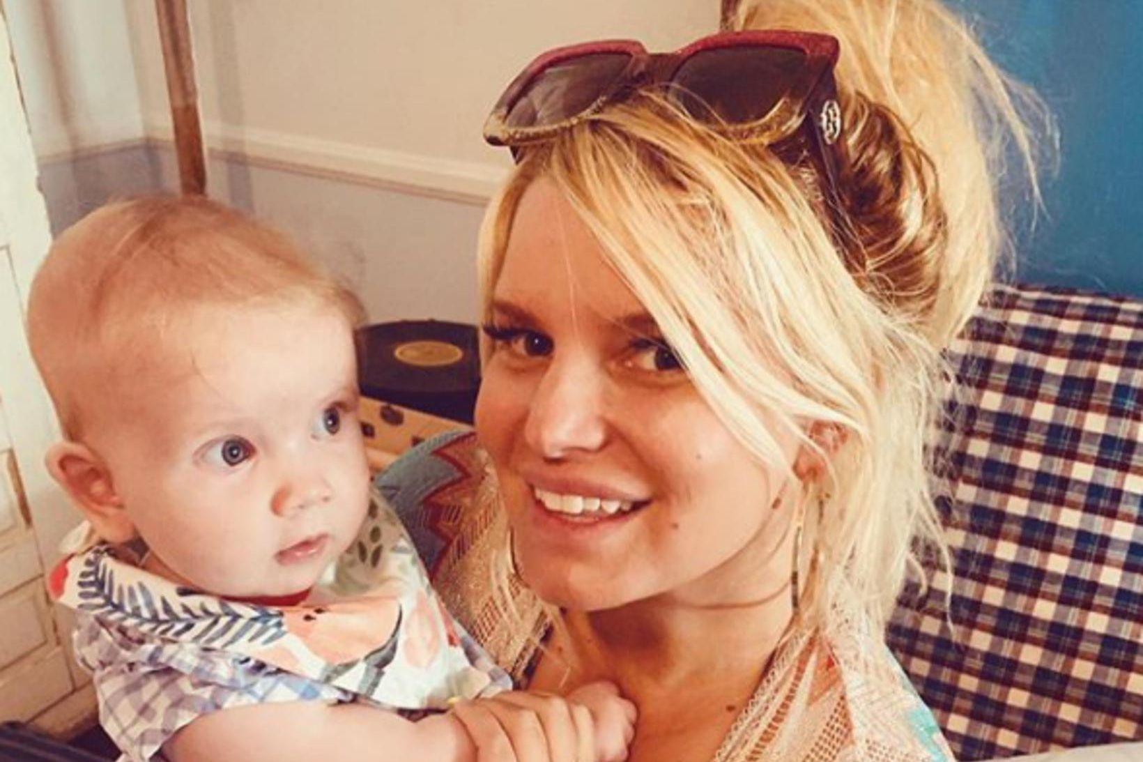 Jessica Simpson og dóttir hennar Birdy.