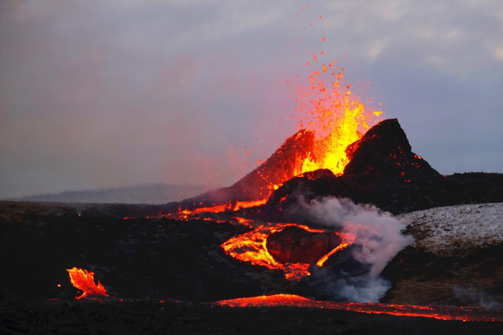 Líklegt er að gosið marki upphaf nýrra Reykjaneselda.
