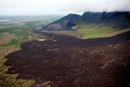 Búið er að opna veginn en fólk verður samt sem áður að sýna aðgát.