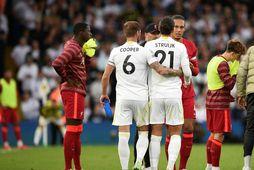 Pascal Struijk var rekinn af velli gegn Liverpool á sunnudaginn.