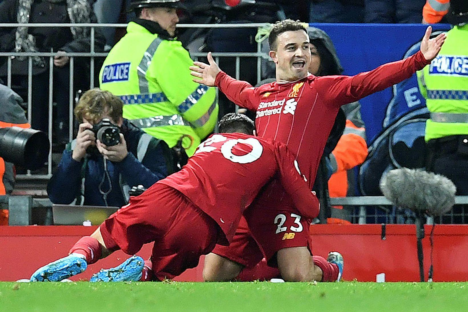 Xherdan Shaqiri fagnar marki fyrir Liverpool gegn Everton í vetur.