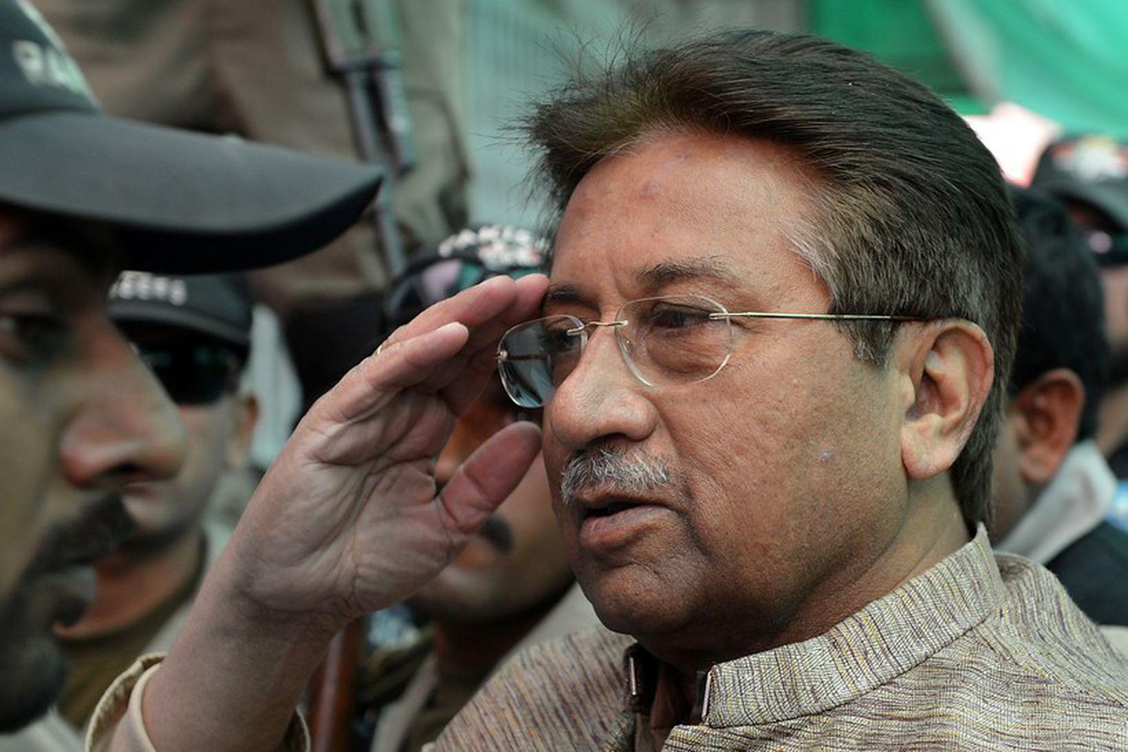 Pervez Musharraf, fyrrverandi forseti Pakistan, hefur verið dæmdur til dauða …