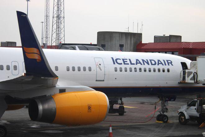 An Icelandair jet at KEF.