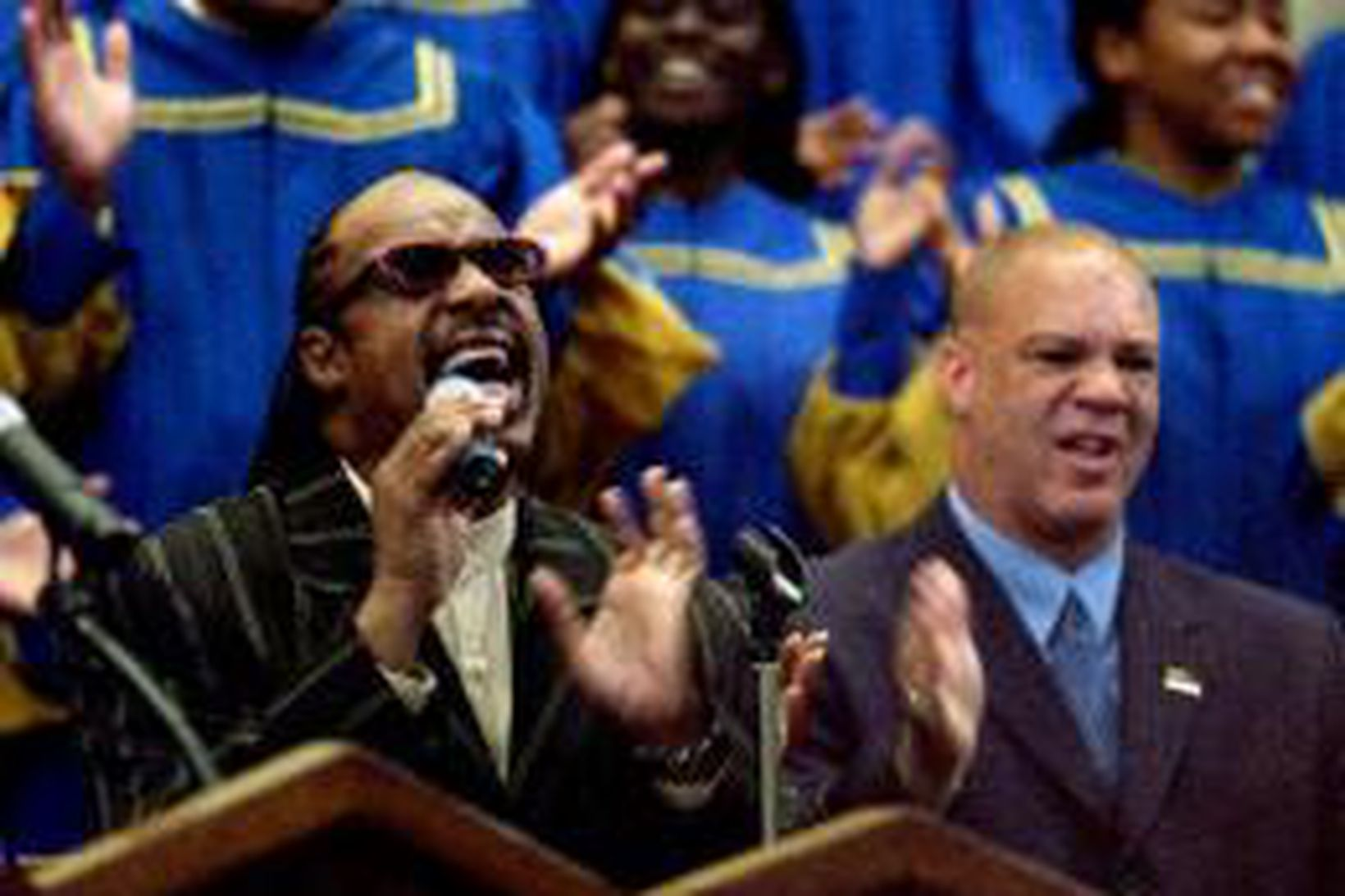 Stevie Wonder og Robert Robinson Sr sonur Ray Charles sungu …