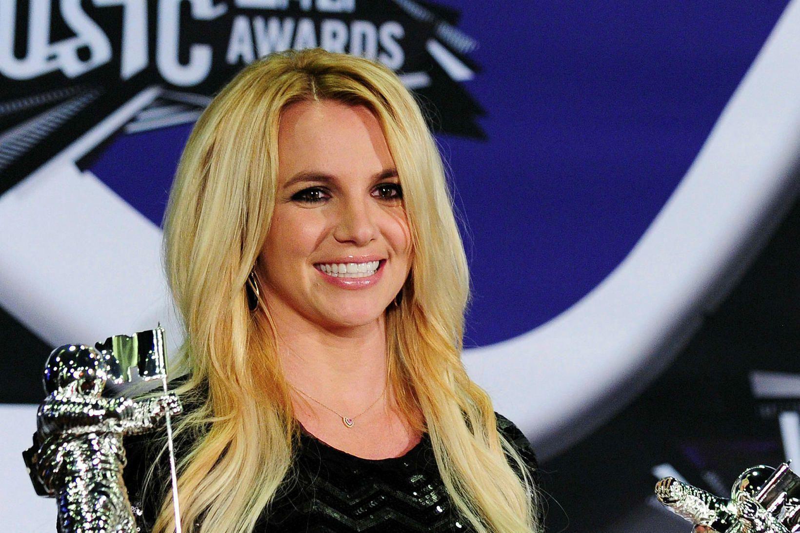 Britney Spears lofsamaði syni sína tvo, Sean Preston og Jayden …