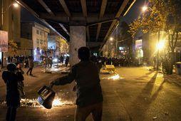Frá mótmælum nærri háskóla í Teheran á laugardaginn.