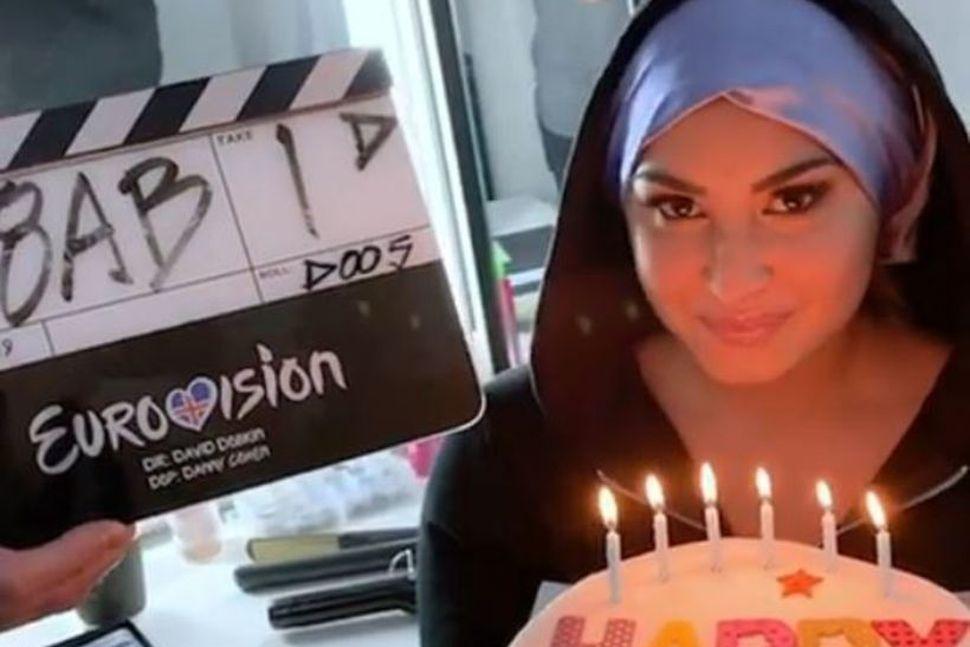 Söngkonan Demi Lovato leikur í Eurovision-myndinni.