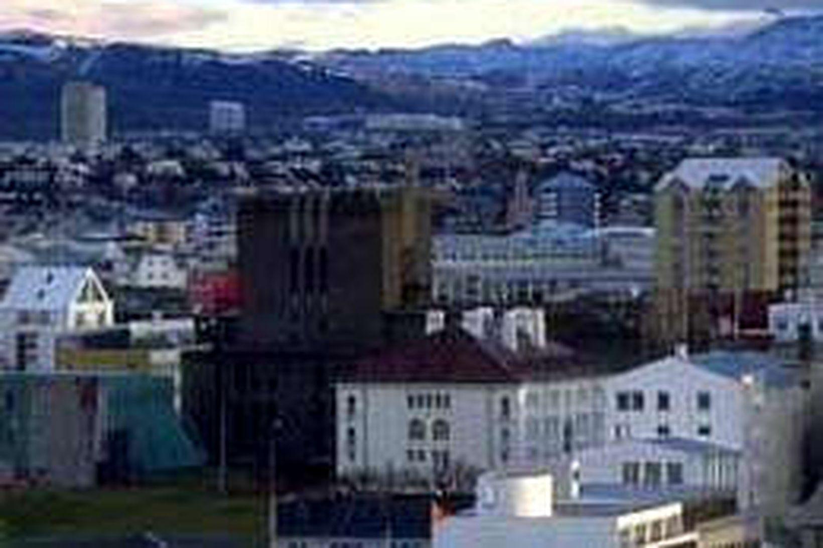 Störf Árna Johnsen í byggingarnefnd Þjóðleikhússins sæta nú rannsókn.