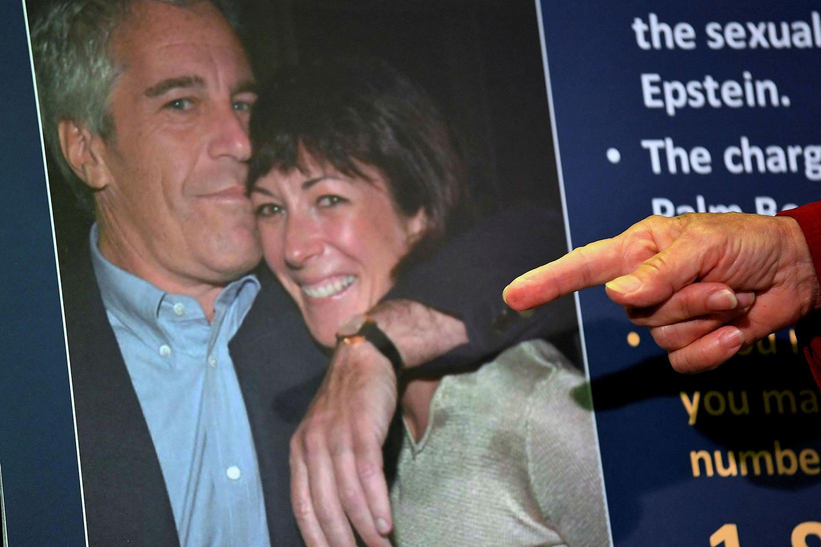 Jeffrey Epstein og Ghislaine Maxwell sjást á þessari mynd.