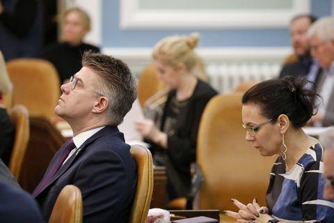 Gunnar Bragi Sveinsson at Parliament yesterday.