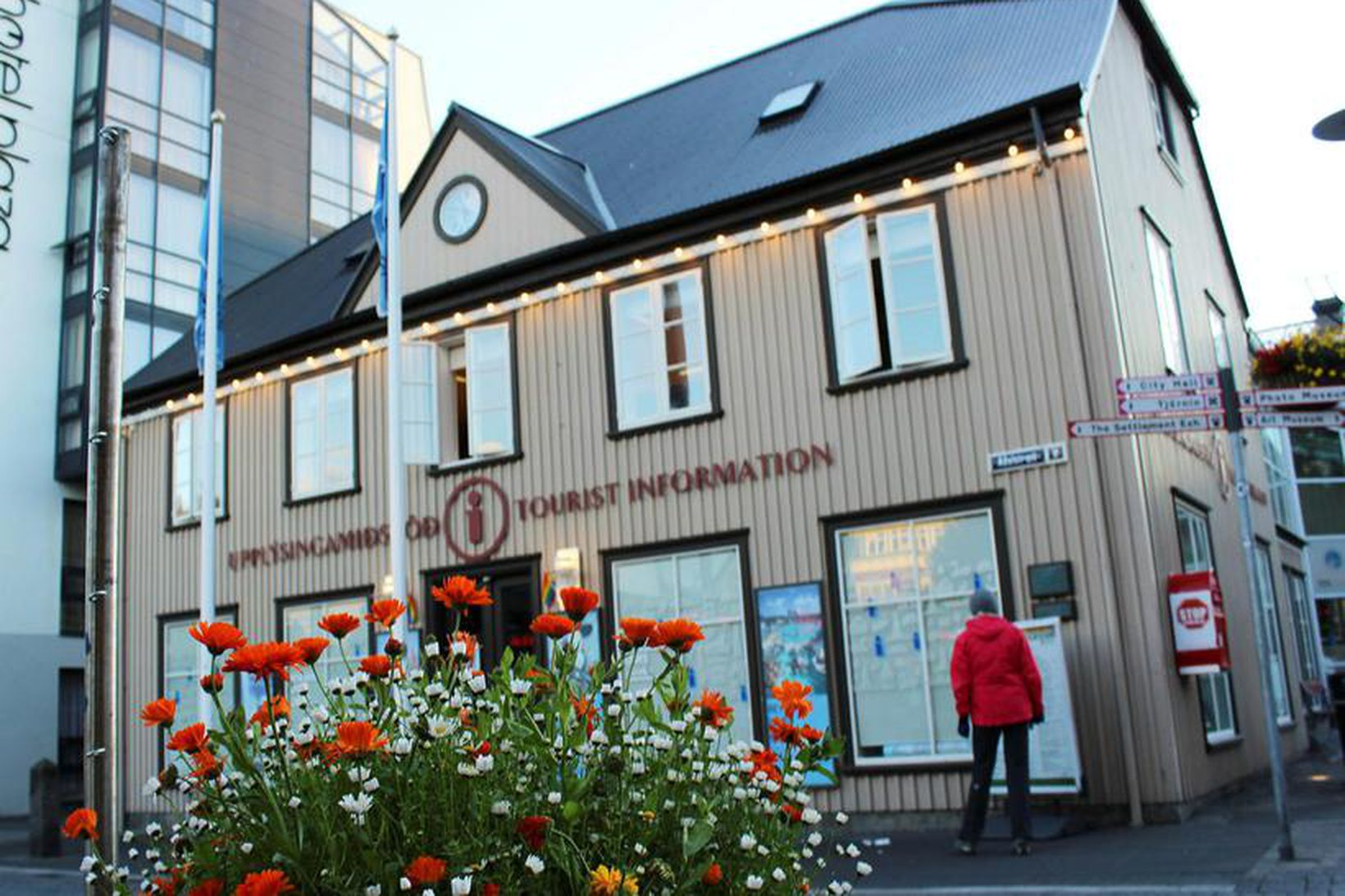 Iceland Travel Assistance rak meðal annars upplýsingamiðstöð ferðamanna í Grófinni …