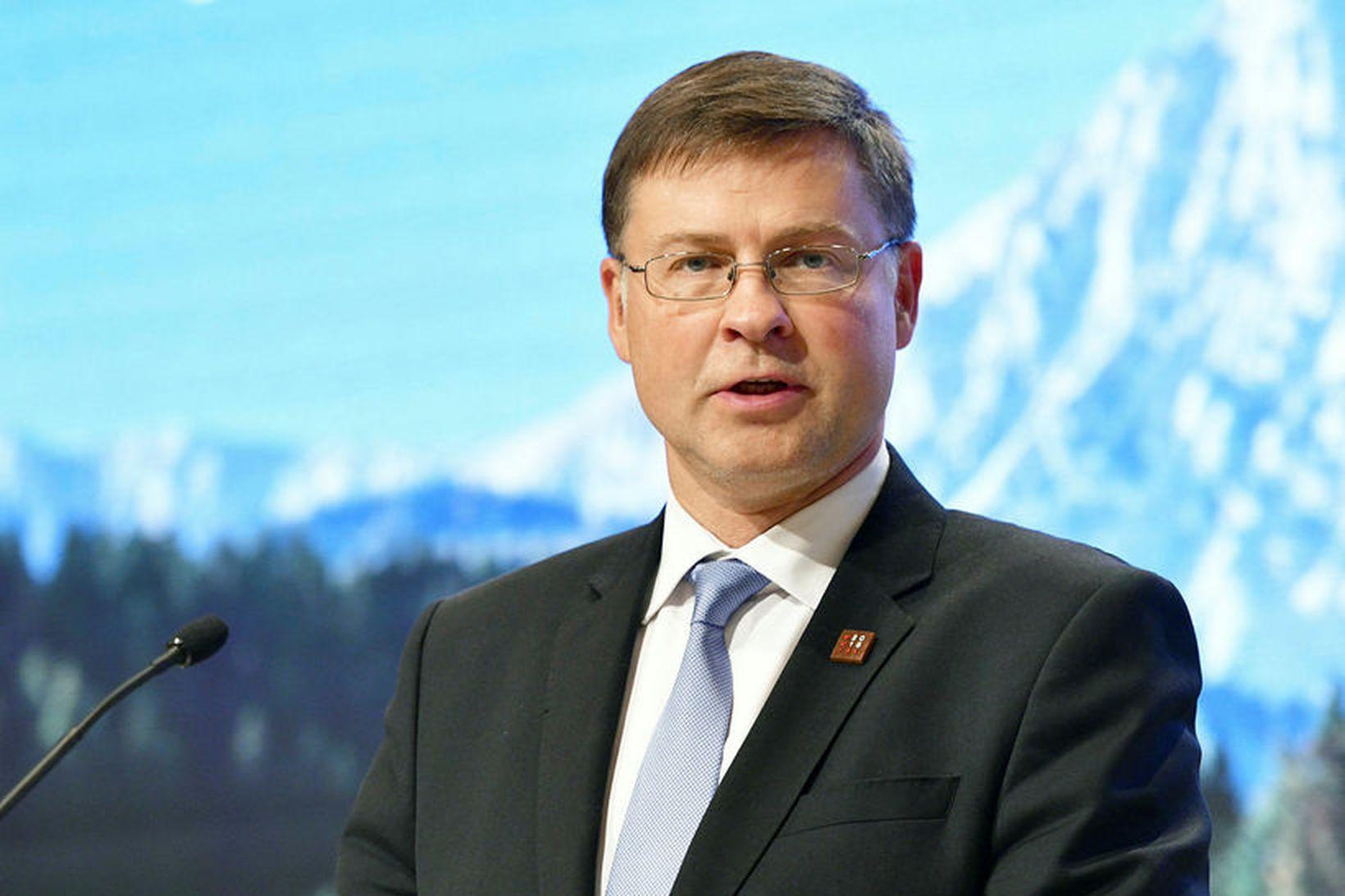 Valdis Dombrovskis, varaforseti framkvæmdastjórnarinnar, segir að viðbrögð Ítala við áhyggjum …