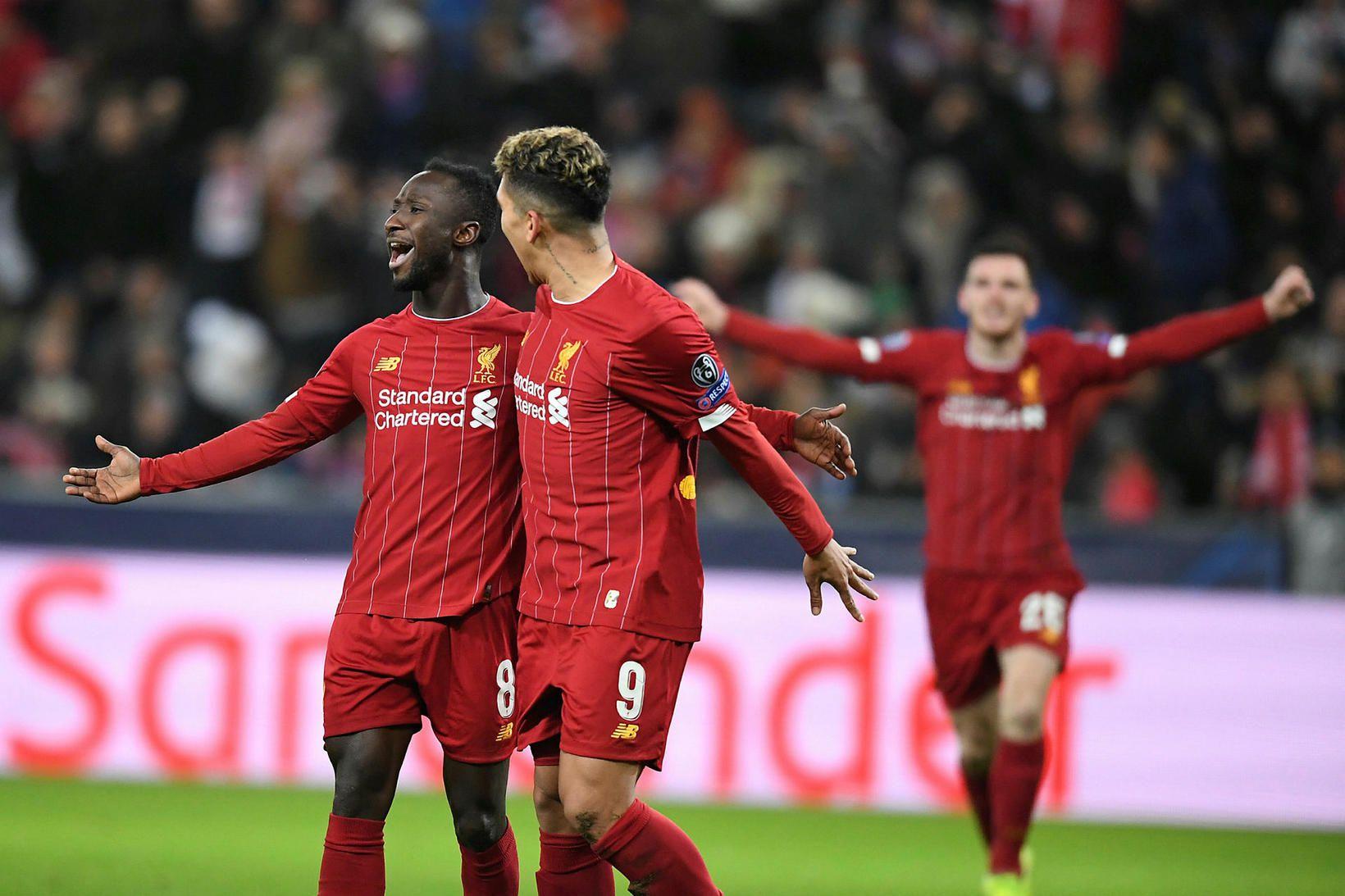Leikmenn Liverpool fagna í kvöld.