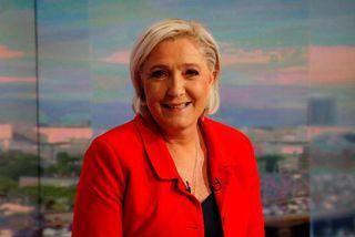 Hópur ráðherra og hátt settra embættismanna var með viðbragðsáætlun yrði Marine Le Pen kjörin forseti.