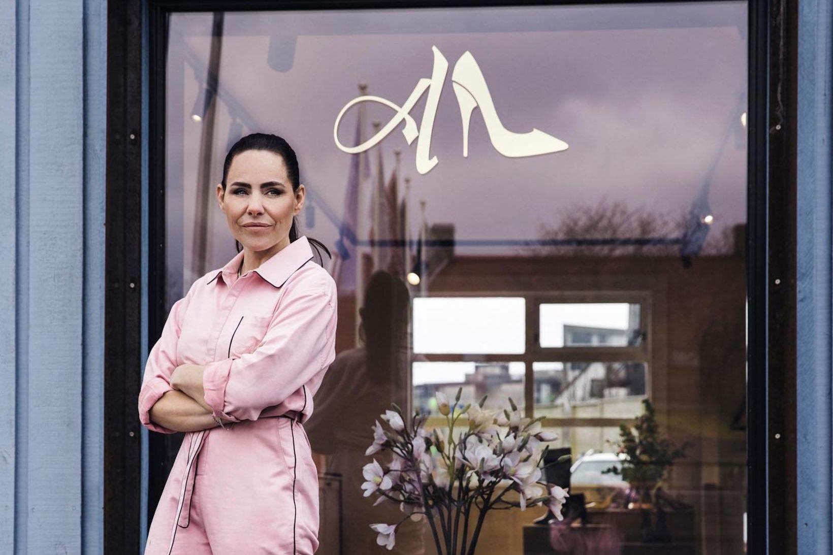 Andrea fatahönnuður hefur opnað gullfallega skóbúð sem á engan sinn …
