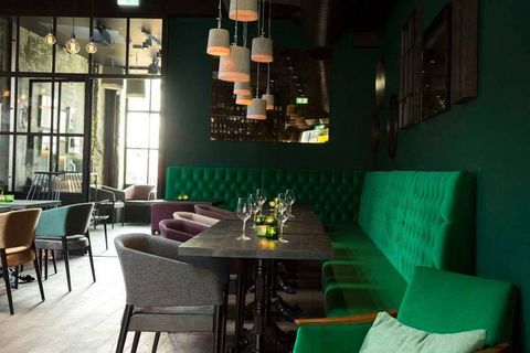 Emerald green hues at Port 9