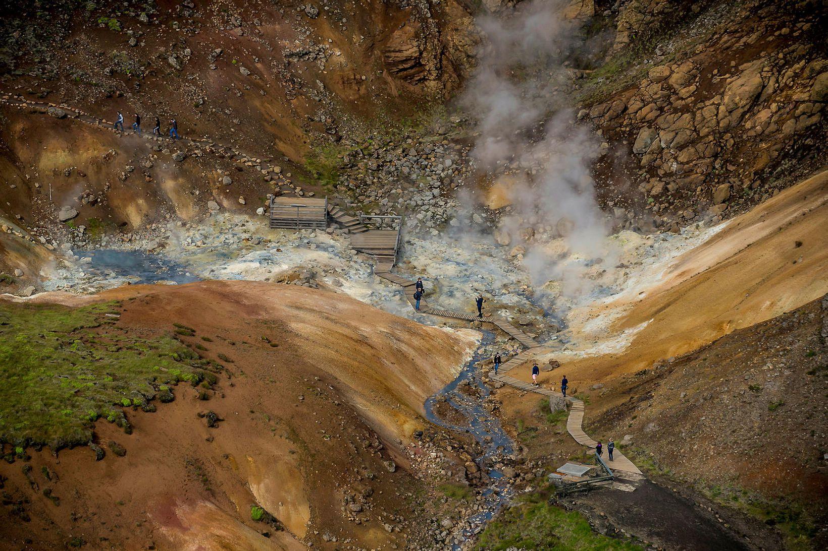Upptök stóra skjálftans voru í Núpshlíðarhálsi, 5 km vestur af …