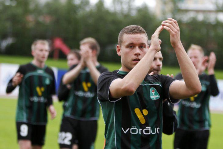 Sverrir Ingi Ingason fer fyrir Blikunum er þeir þakka stuðninginn í kvöld.