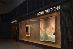 Louis Vuitton hefur framleiðslu á handspritti.