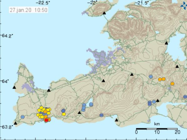 Seismic activity on Reykjanes. The dots show the location of the tremors.