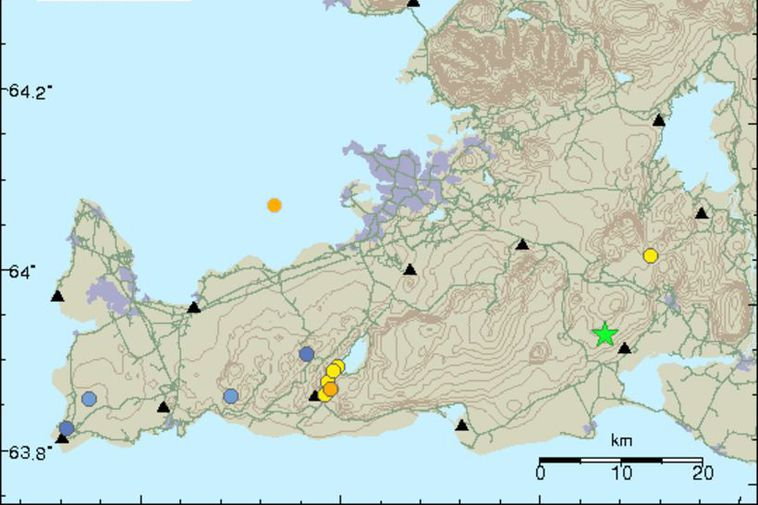 The origins of the earthquake are marked by a green star.