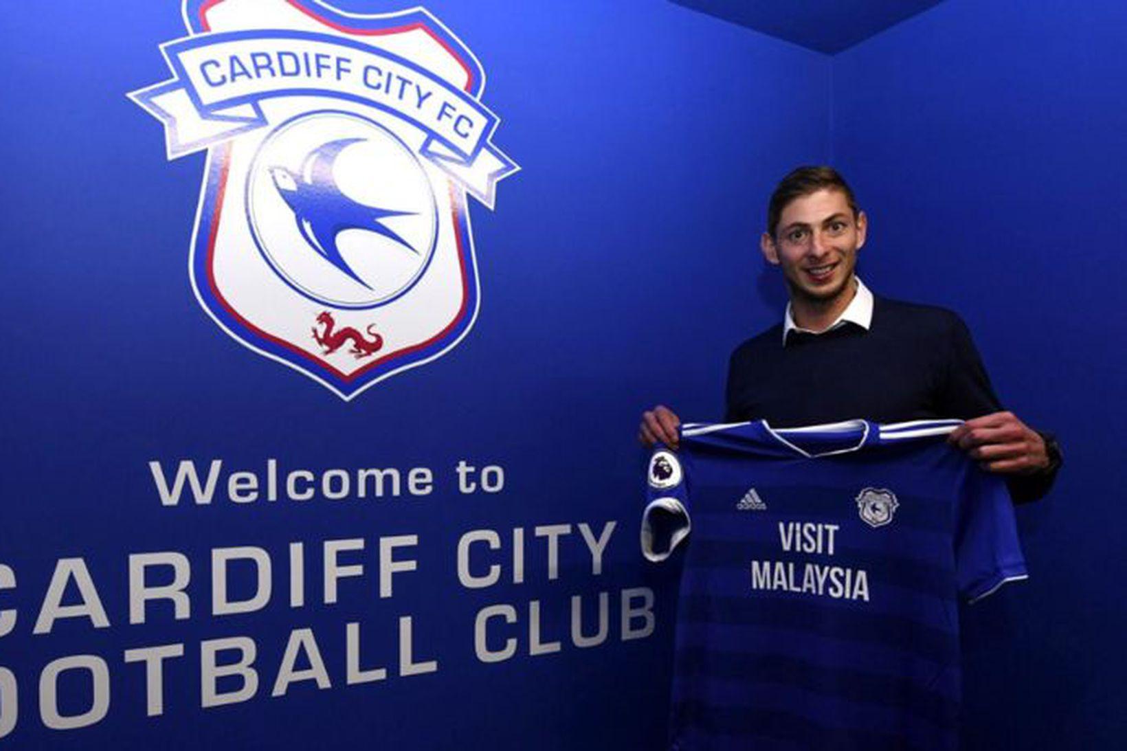 Emiliano Sala varð leikmaður Cardiff á laugardag.