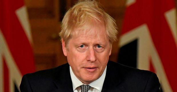 Boris Johnson á rafrænum blaðamannafundi í kvöld.