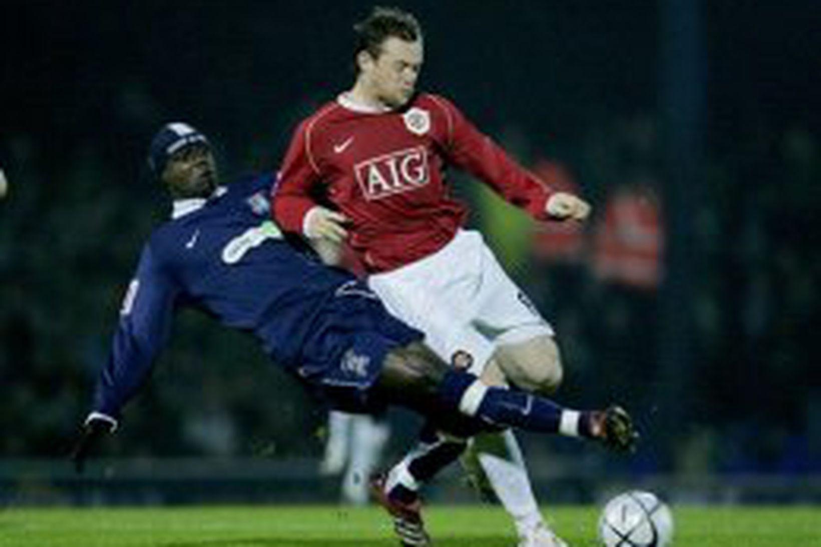 Wayne Rooney komst lítið áleiðis gegn sterkum varnarmönnum Southend í …