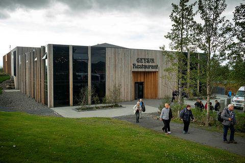 The new Hótel Geysir.