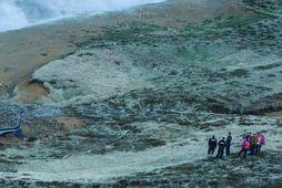 10 – 15 manns hafa unnið að rannsókn á tildrögum slyssins í gær og dag.