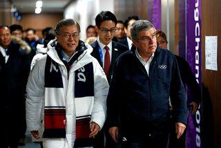 Moon Jae-in, forseti S-Kóreu, átt í dag fund með norðurkóreskum hershöfðingja.