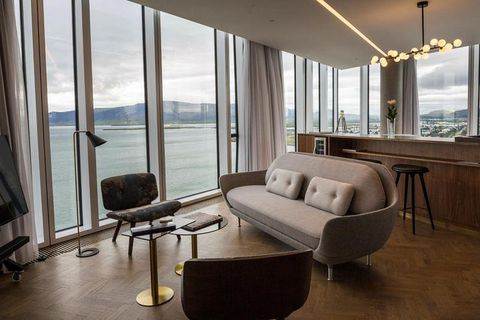The hotel was designed by Ásgeir Ásgeirsson and Áslaug Þorgeirsdóttir at T.ark architects with the view being a focal point.