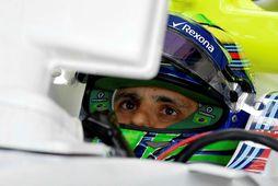 Felipe Massa í bíl sínum í Búdapest í gær.