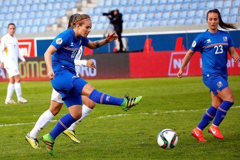 Þorsteinsdóttir scoring against Macedonia.