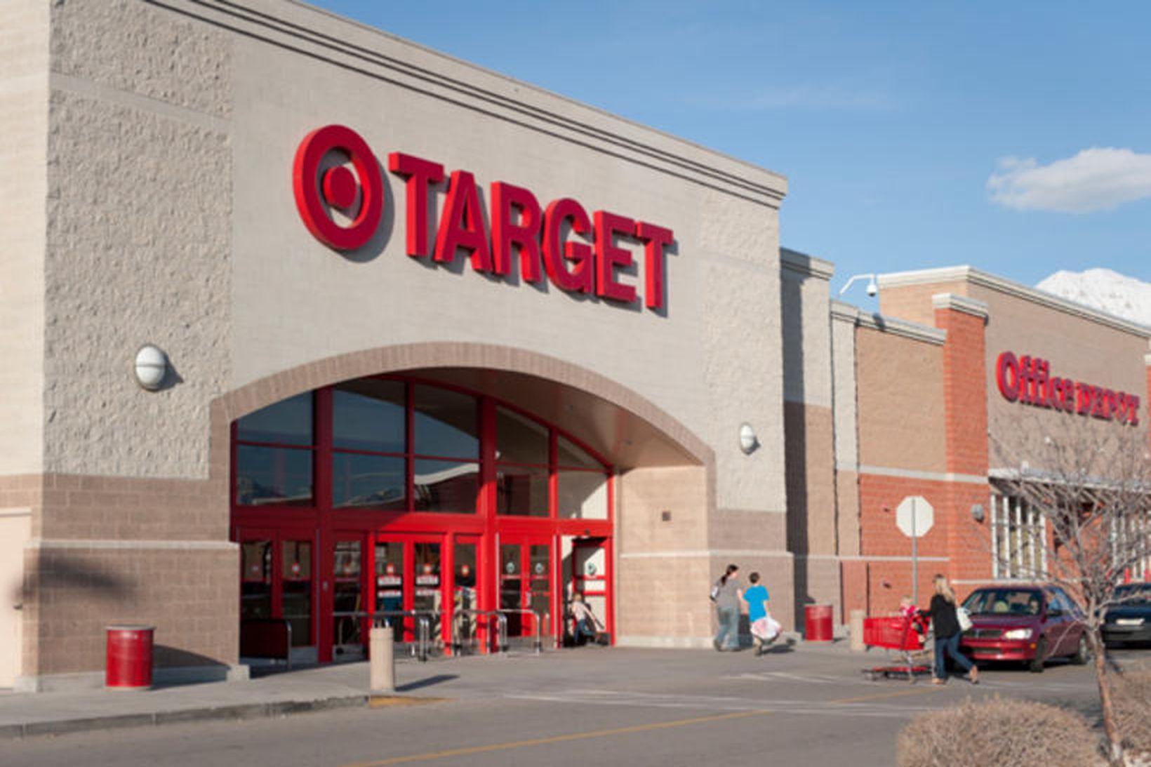 Atvikið varð fyrir utan verslun Target.